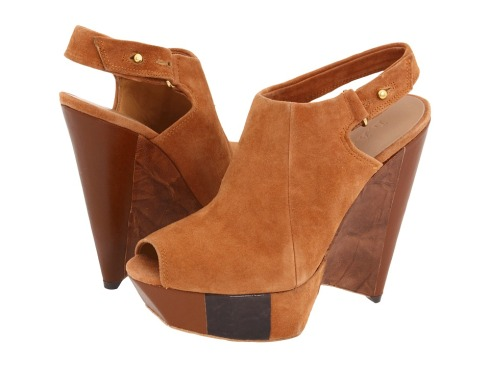 85ae82a7b42 Det er vist sidste måned i år at åben sko kommer til at blive månedens sko.  Tilgengæld er det nok ikke sidste gang I kommer til at se sennep-farvet sko,  ...