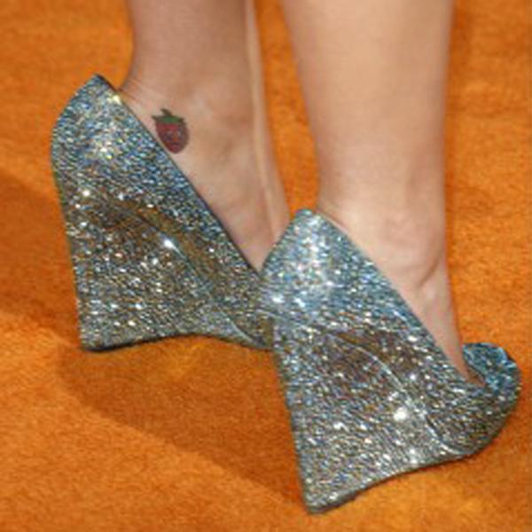 4b5682372bb Nå men udover at at de for store til hende, synes jeg disse plateau sko er  virkelig flotte og kan pifte et hver outfit op.